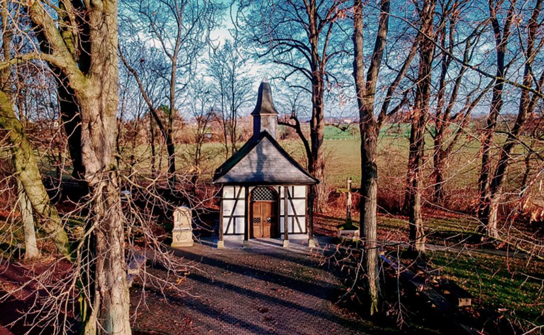 Die 1851 in Salzkotten-Verne errichtete Brünnekenkapelle ist ein Symbol für die Geschichte der Marienwallfahrt in Westfalen-Lippe.