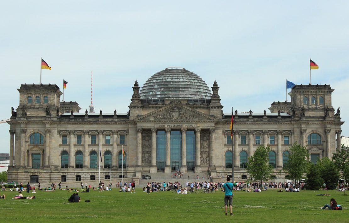 Das Reichstagsgebäude in Berlin, Zentrum der deutschen Demokratie.
